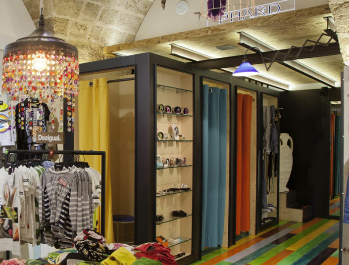 negozio di abbigliamento makaria casarano le rocco